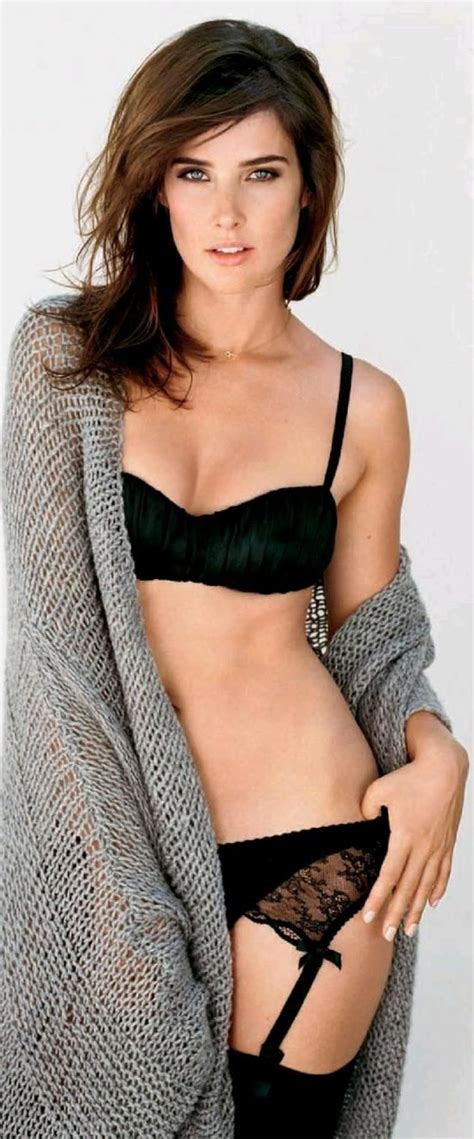 Robin Bell by Cobie Smulders Retro Seductive Lingerie Highwaisted