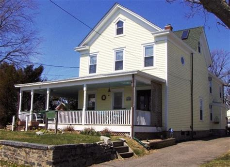 stirling house bed and breakfast stirling house bed and breakfast greenport compare deals