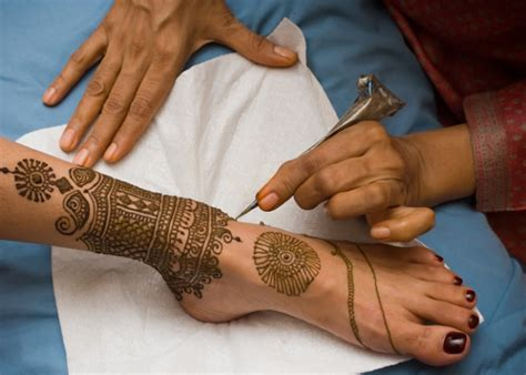 thuria henna tattoo artist 1001 ideas for mehndi the gorgeous indian henna