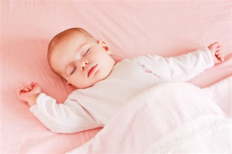 sleep pattern 1 year old baby help your child sleep through the night without crying it out