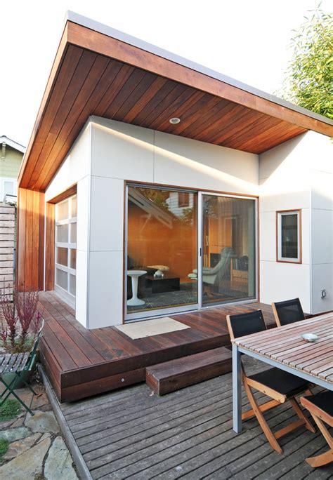 mid century modern window trim mid century modern house numbers exterior midcentury with