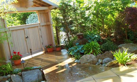 Tips And Ideas For Small Gardens Garden Season Cubtab Small Garden Patio Designs