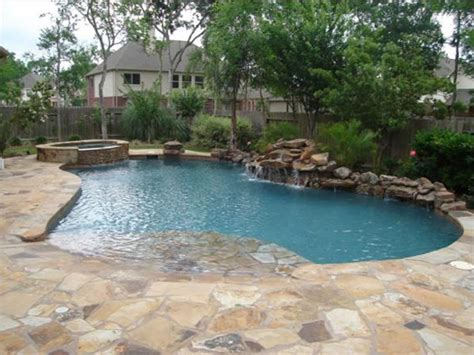 Backyard Pools With Entry Entry Swimming Pools Features For Your Swimming