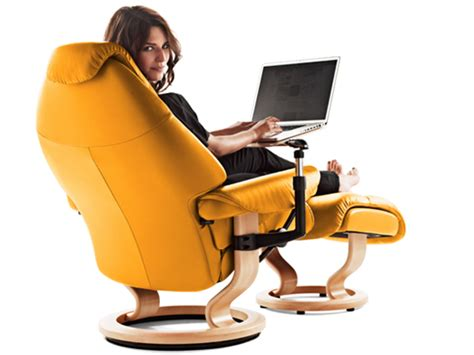 recliner chair with laptop table stressless voyager recliners chairs ekornes stressless