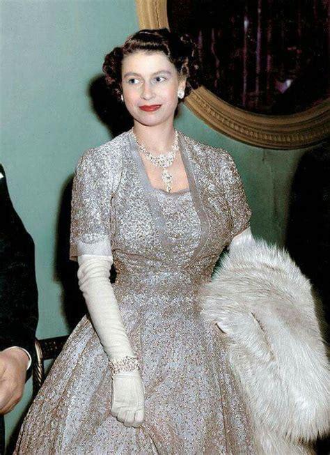 Queen Elizabeth by 25 Best Ideas About Young Queen Elizabeth On Pinterest