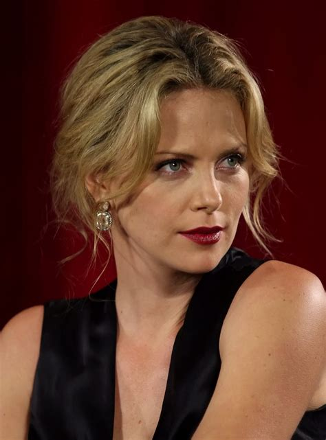 a new hartz charlize theron different hairstyle