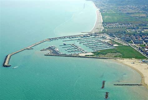 porto san giorgio ceggi marina di porto san giorgio in san giorgio ascoli piceno