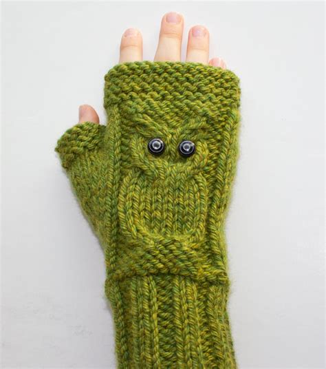 owl fingerless gloves knitting pattern knitting pattern cable owl gloves fingerless by surlysheepshop