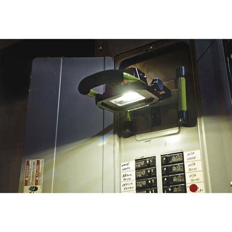 powersmith led work light powersmith pwlr1110m 10 900 lumen magnetic