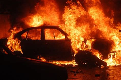 How To Keep Burning In Fireplace by How To Prevent Car And Save Someone From A Burning