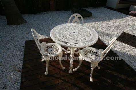 tablon de anuncios conjunto jardin hierro fundido sillasmesabanco
