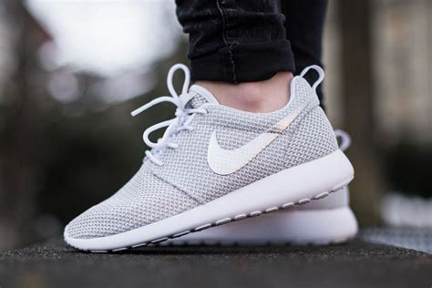 Sale Nike Roshe Run New Casual Pria Sneakers Diskon Terbaru nike shoes for roshe run with new picture in
