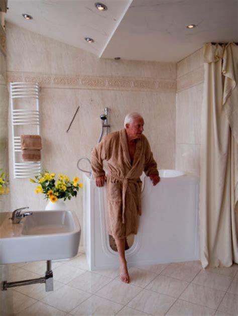 walk in bathtubs reviews celebrity walk in bathtub review