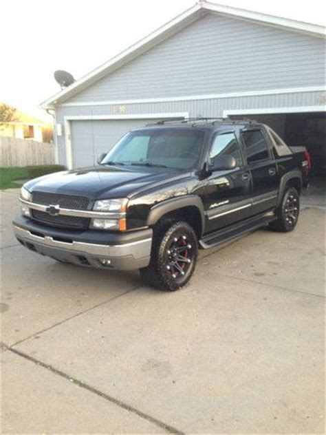 purchase used 2004 chevrolet avalanche 1500 z71 crew cab buy used 2004 chevrolet avalanche 1500 z71 crew cab pickup 4 door 5 3l in flint michigan