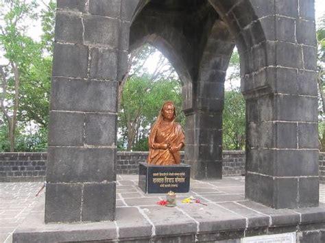 Shivaji Maharaj Raigad Fort Essay by Rest Place Of Chatrapathi Shivaji Maharaj Picture Of Fort Raigad Maharashtra Tripadvisor