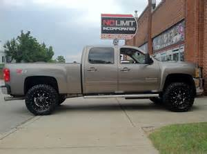 chevy 2500 with fuel wheels no limit inc