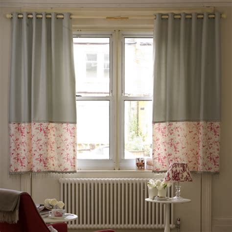 should curtains touch the floor or window sill 13 beautiful window dressing ideas