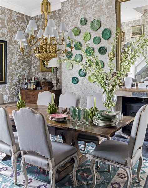 Dining Room With Green Accents Traditional Dining Room With Gold And Green Accents