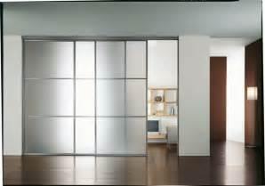 la porte coulissante 19 exemples de portes cools et lissantes