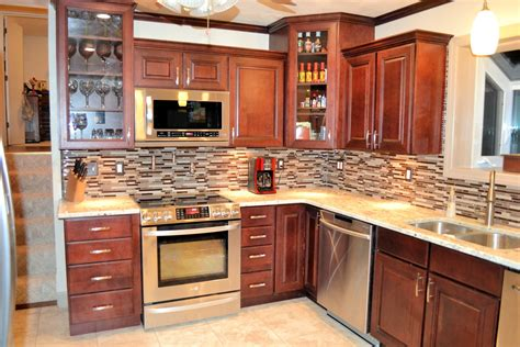 kitchen cabinets tips kitchen backsplash ideas with maple cabinets with pics