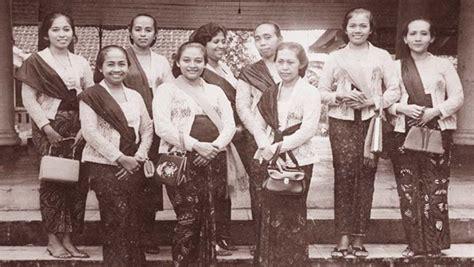 Baju Retro 60 An baju era 60 an model baju batik encim series batik bagoes baju tema 60 an