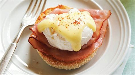 Classic Eggs Benedict Two Ways Beginner And Expert by Classic Eggs Benedict With Hollandaise Sauce Sobeys Inc