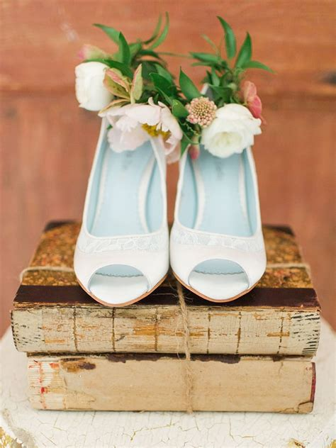 Wedding Shoe Stores by Wedding Shoe Tips To Put Your Best Foot Forward The