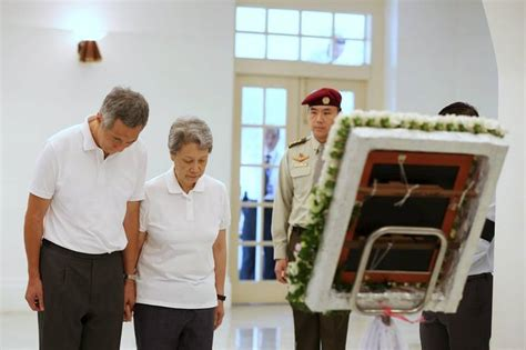 lee hsien loong fathers state funeral will be a moment lee kuan yew s son faces a changing singapore wsj