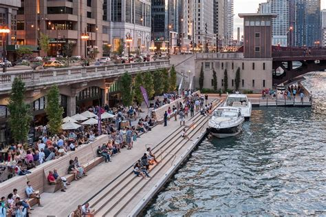 chicago boat rental without captain on the waterfront splash