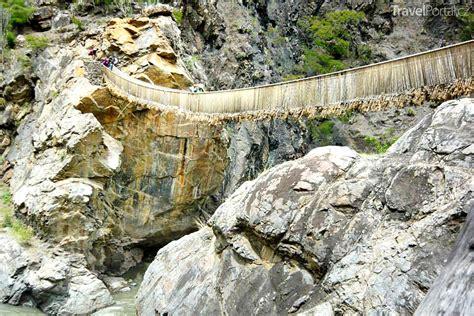 peru přitahuje ruinami machu picchu i jezerem titicaca