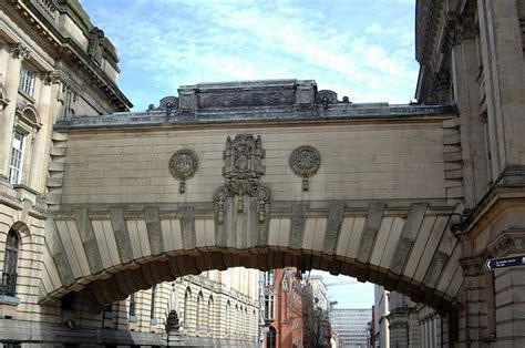 file link bridge between gas and gallery