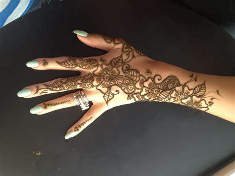eyebrow threading and henna tattoo near me photos for raanya eyebrow threading henna yelp