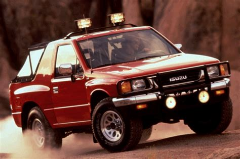 small engine maintenance and repair 2000 isuzu amigo electronic valve timing 1990 94 isuzu amigo consumer guide auto