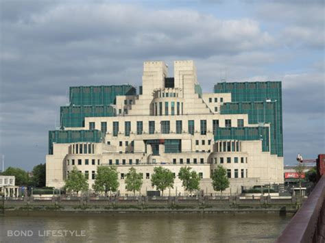 Charles Moore House spectre filming returns to london bond lifestyle