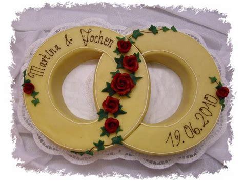 Hochzeitstorte Ringe by Manu 180 S Kleine Konditorei