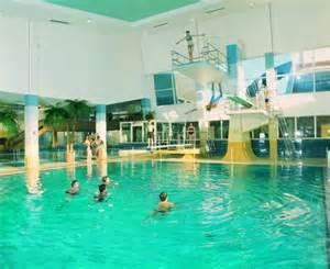 schwimmbad in wuppertal chlorgas unfall im schwimmbad wuppertaler sch 252 ler in der