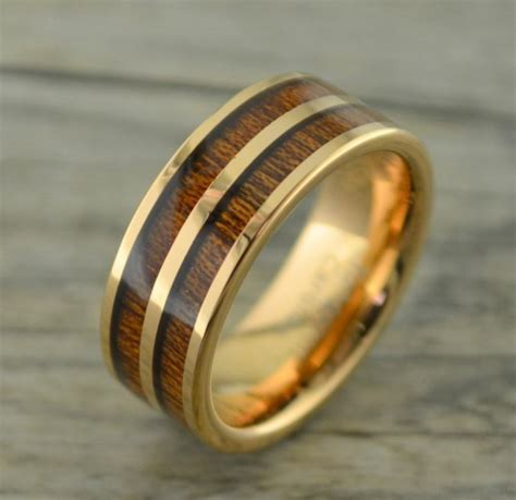 tungsten gold ring with row of koa wood inlay
