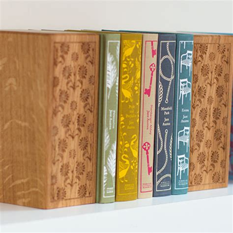 libro northanger abbey penguin clothbound two wooden bookends jane austen clothbound classics penguin shop