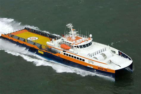 ic11008 58m catamaran work boat - Trimaran Workboat