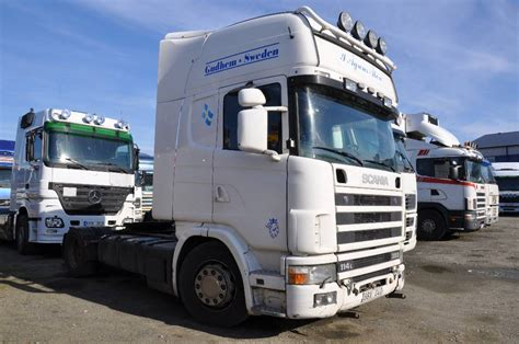 used scania 114 4x2 380 tractor units year 2001 price
