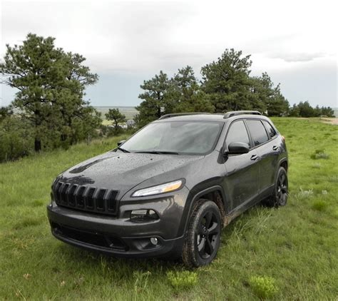 2015 jeep cherokee tires 2015 jeep cherokee iseecars com
