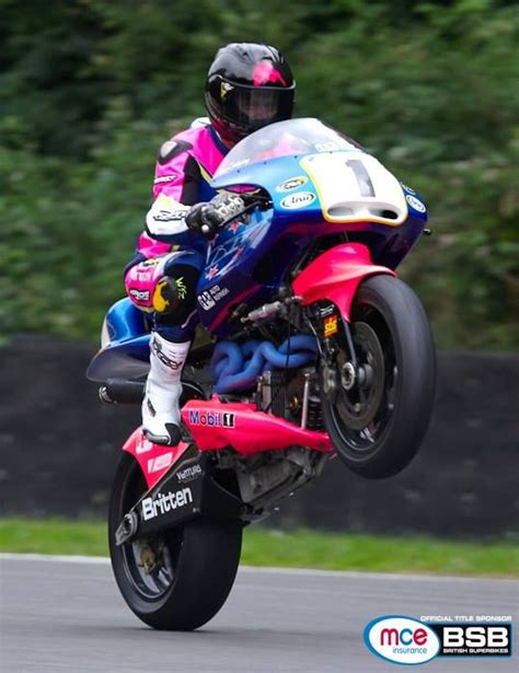 Isle Of Tt Circuit E Cafe Racer 59 Ton Up Ahrma bruce anstey on a britten v1000 custom motorcycles
