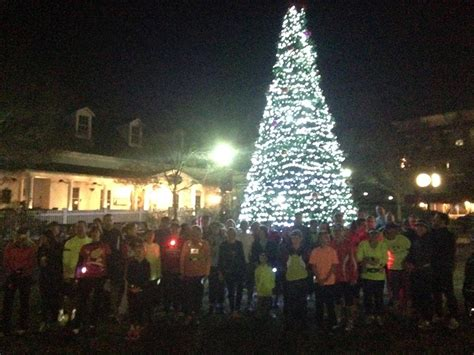 christmas lights run w grapevine fleet feet sports fort mill
