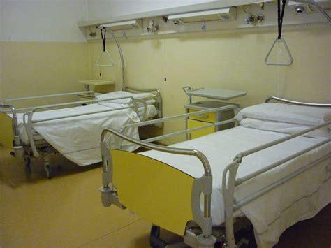letto d ospedale ausl modena inaugurazione nuovi letti donati alla