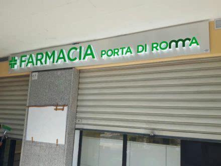 parafarmacia porta di roma portfolio luminart neon