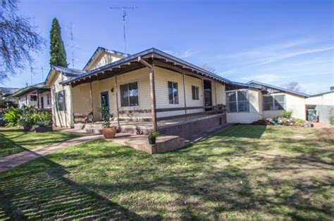 Cabins For Sale In Nsw by Homes For Sale In Riverina Nsw Realestateview