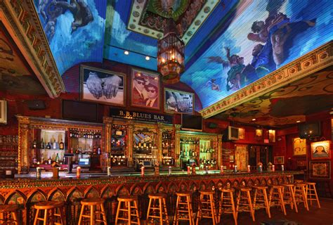 house of blues downtown disney cirque du soleil and house of blues team up for dinner a show offer at downtown