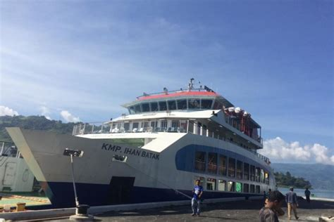 ferry danau toba asdp operasikan feri dukung pariwisata danau toba pmwp
