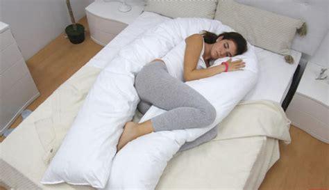 nace en espana la primera almohada  potencia la felicidad la nueva espana