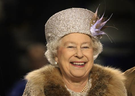 Black Amuses Me by Elizabeth Ii Is Not Amused By Android Buys An